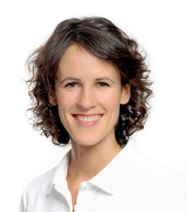 Osteopathie Hamburg Corinna Kropiunig 1 904x1024 904x1024 1